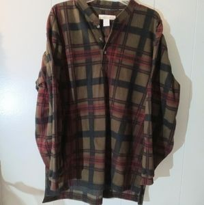 Perry Ellis long sleeved plaid flannel pull over